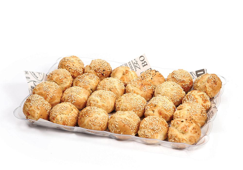 כדורי גבינת קשקבל וזיתים